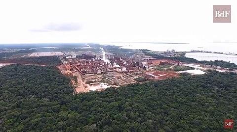 A exploração do minério de bauxita para produzir alumínio causou vários acidentes na região