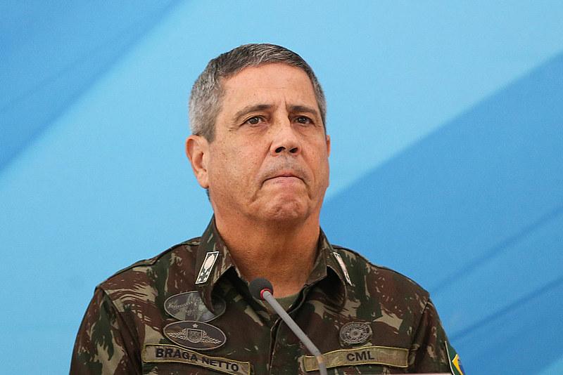 O general Walter Souza Braga Netto saiu do comando da Casa Civil para assumir o Ministério da Defesaapós ademissão do general Fernando Azevedo e Silva