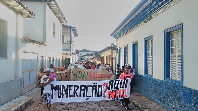 Advogado denuncia ainda que, desde o começo do processo, a mineradora tem tentado inibir as mobilizações contra o empreendimento