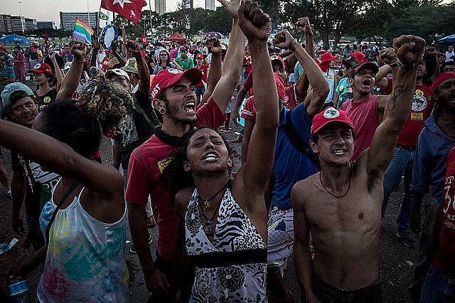 Actos por la democracia, el úlitmo lunes(15), en Brasilia