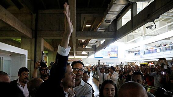 Líder da oposição venezuelana confirma que volta ao país aconteceu de forma pacífica e dentro da normalidade
