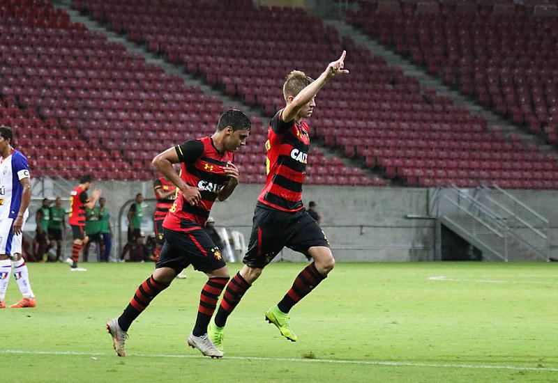 No Pernambucano, Sport bateu o Vitória por 2x0