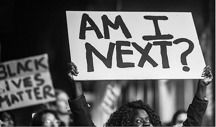 Black Lives Matter é um movimento que protesta contra a violência policial em relação à comunidade negra nos Estados Unidos