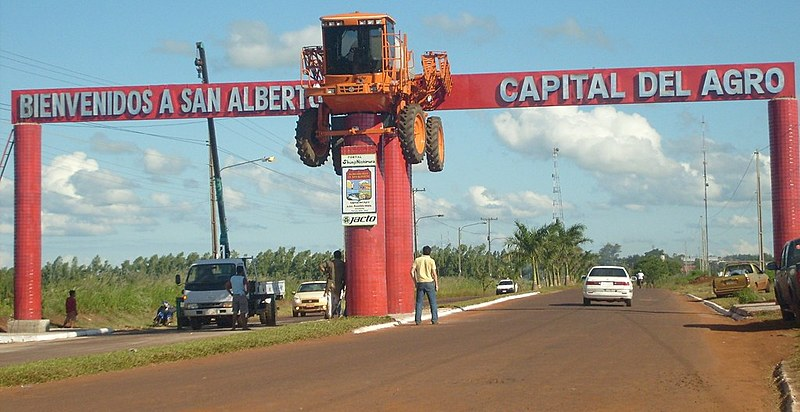 Pórtico na entrada da cidade de San Alberto homenageia o agronegócio