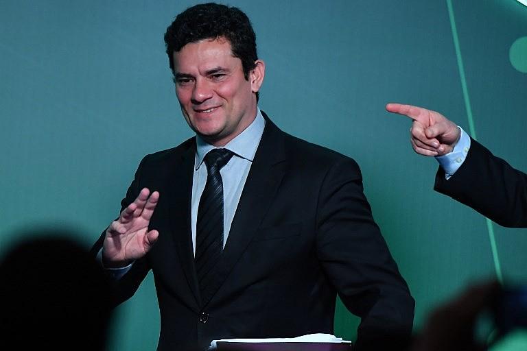 Bolsonaro confirmou em entrevistas à imprensa que deve convidar Moro para o Ministério da Justiça ou indicá-lo ao STF