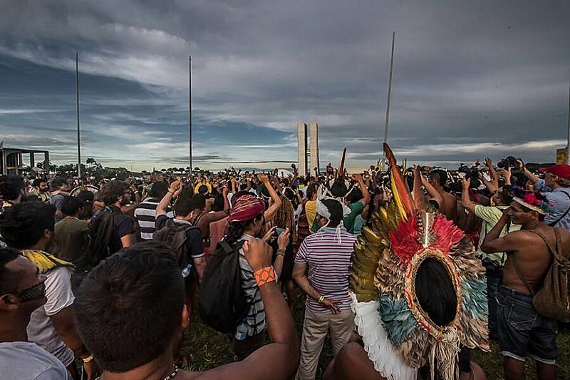 Mobilização Nacional Indígena contra relatório da CPI da Funai e Incra, em abril