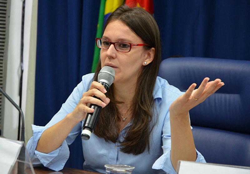 """Autora do livro """"O ódio como política"""", Solano analisou a base eleitoral do atual governo"""