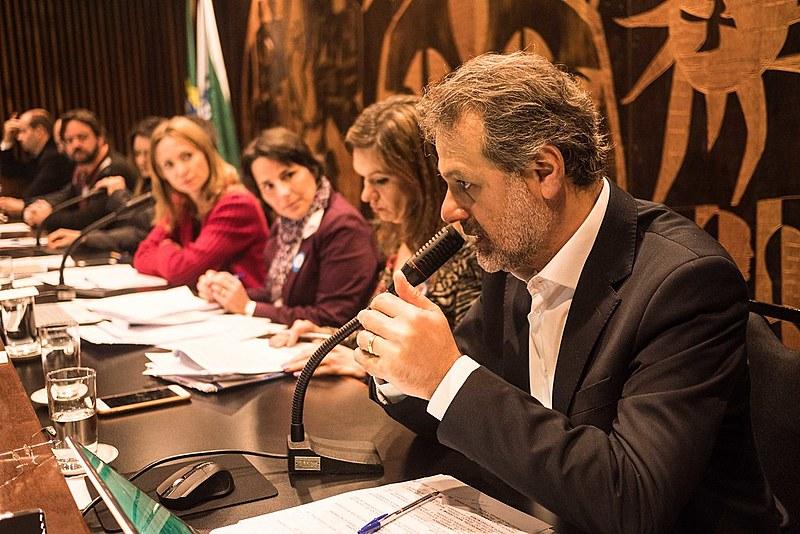 """""""As novas políticas públicas podem promover uma maior inclusão social"""", disse Ualid Rabah, diretor da Federação Árabe Palestina do Brasil"""