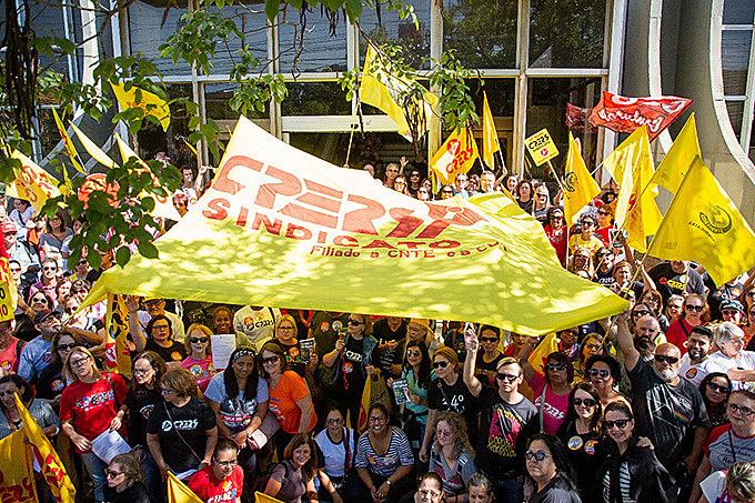 Ato do CPERS foi realizado para protestar contra desmonte do IPE.