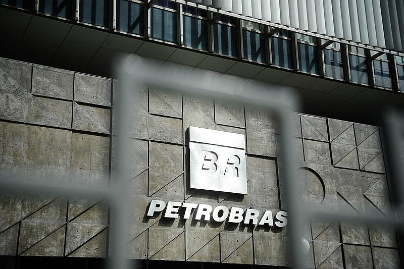 Fundada em 1953, Petrobras é considerada menina dos olhos do projeto neoliberal de Temer (MDB)