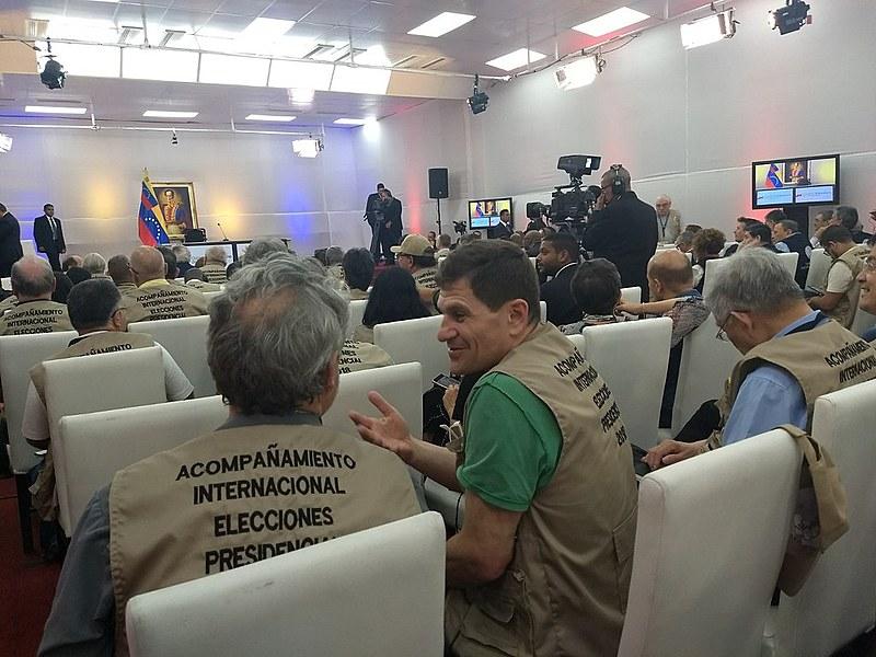 Mais de 200 observadores, de 60 países, vão acompanhar as eleições deste domingo (20)
