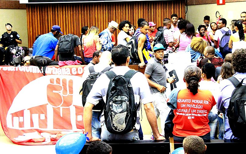 Durante ocupação, manifestantes foram agredidos por seguranças
