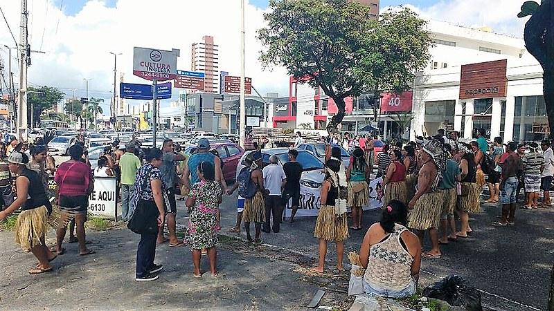 Povos Potiguaras fazem manifestação em João Pessoa em defesa da saúde indígena e autonomia política