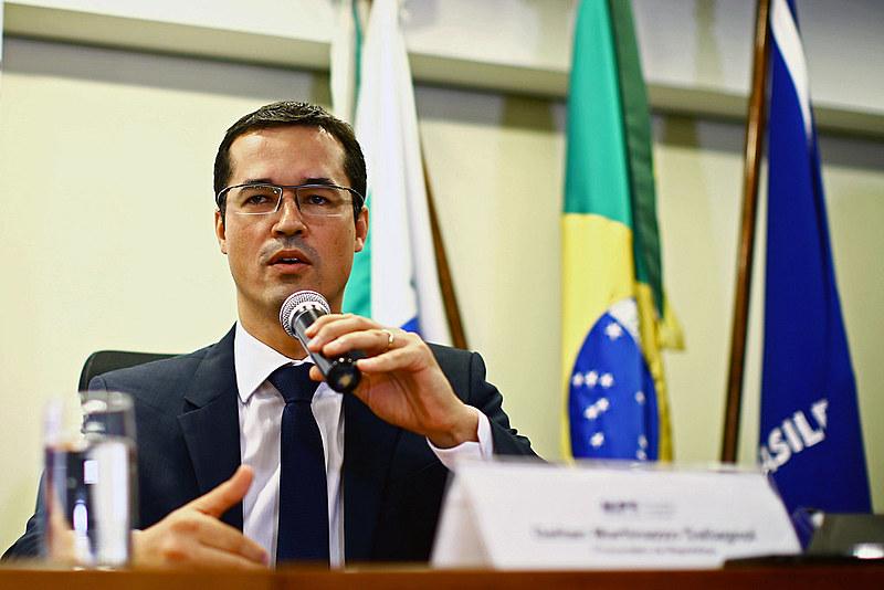 Deltan Dallagnol, chefe da força-tarefa da Lava Jato no Paraná, está no centro das polêmicas