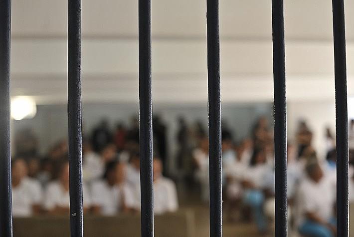 """""""Cada pessoa presa custaria três vezes mais o que custa hoje"""", explica defensor público"""