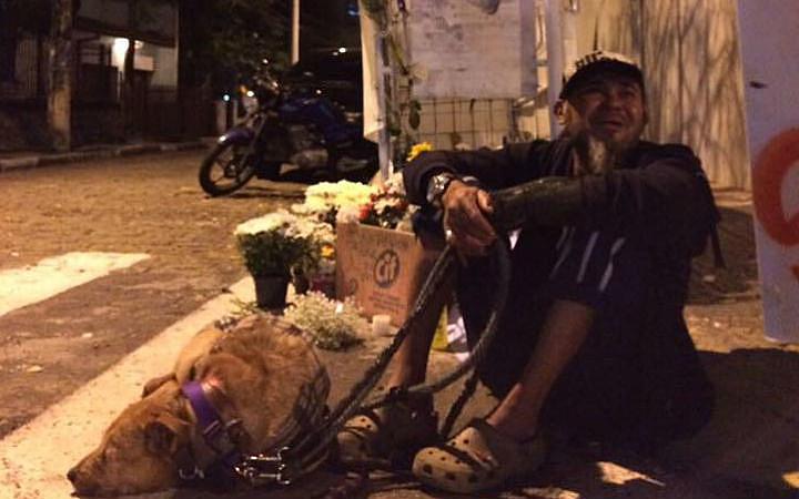 Catador Gilvan Artur Leal, conhecido como Piauí, no dia da morte do amigo Ricardo Nascimento