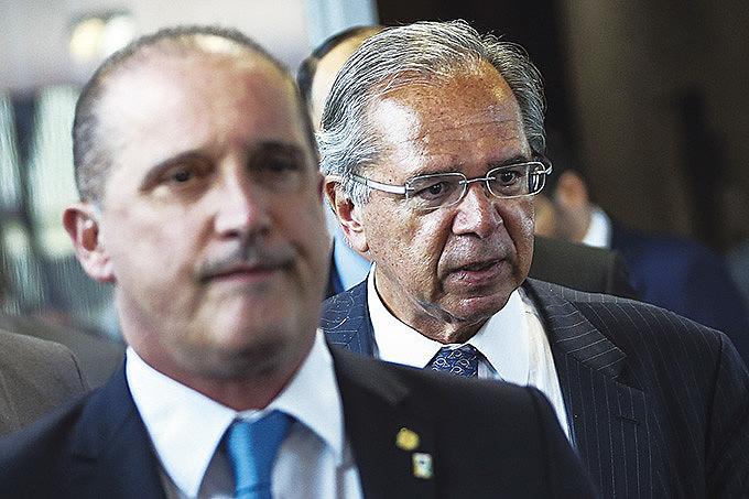 Modelo visto como referência pela equipe de Bolsonaro é o adotado no Chile, o primeiro país do mundo a privatizar a Previdência, em 1981