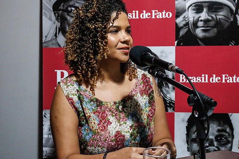 Jessy Dayane, vice-presidenta da UNE, nos estúdios da Rádio Brasil de Fato