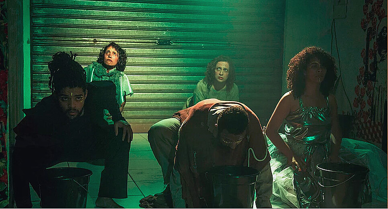 Imagem do espetáculo Labirinto Selvático, de 2016