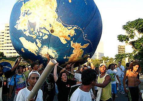 12ª edição do Fórum Social Mundial é realizada em Montreal, Canadá