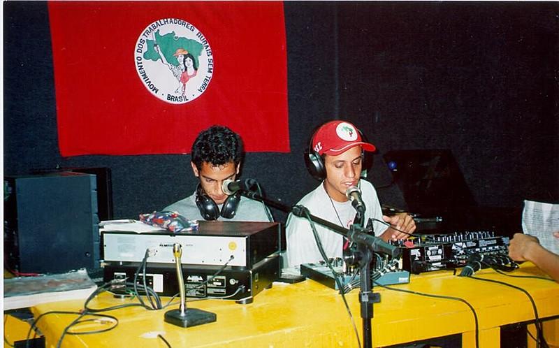 Registro da estrea da rádio, no final da década de 1990
