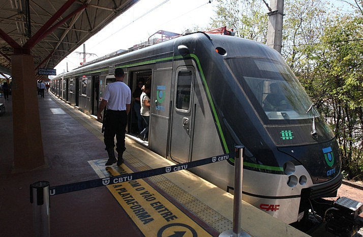 """""""Caso o metrô seja privatizado, estaremos na contramão da história e da mobilidade urbana"""", diz uma nota do Sindimetro"""