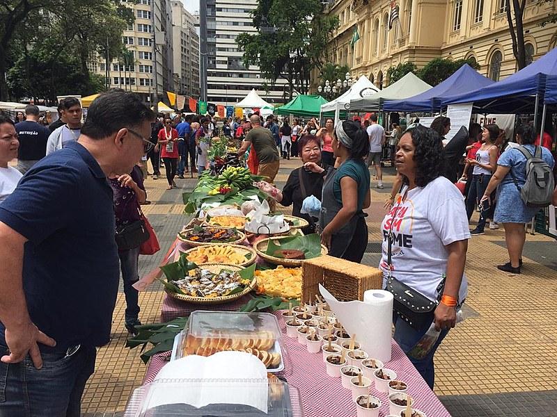 Em São Paulo, refeições foram preparadas com alimentos cultivados em hortas urbanas, terras indígenas e assentamentos do MST