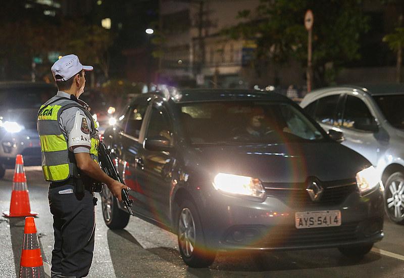 Polícia Militar realiza Operação Direção Segura em bares do Itaim Bibi