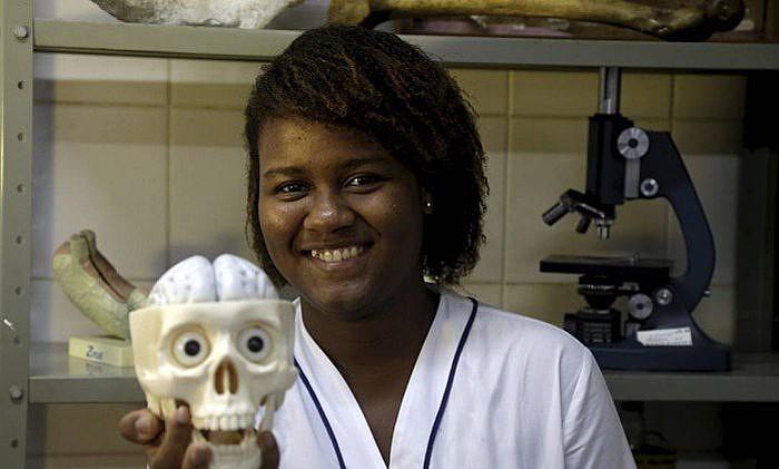 Com 17 anos, a adolescente carioca será a única brasileira na Olimpíada Internacional de Neurociência, na Dinamarca