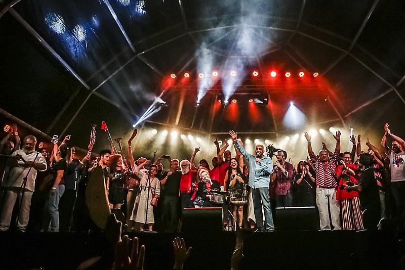 No Rio de Janeiro, em 2018, festival reuniu mais de 80 mil pessoas nos arcos da Lapa