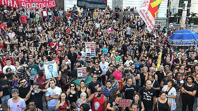 Protesto contra a ditadura militar na Cinelândia, no Centro do Rio de Janeiro