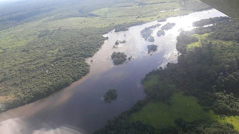 Local do massacre dificulta acesso: são 18 quilômetrospor terra e 15 minutos de barco