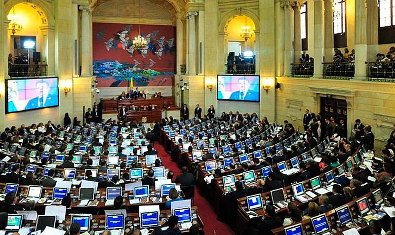 De una parte, con Voces de Paz, agrupación surgida como parte del acuerdo de La Habana para acompañar la implementación del Congresso