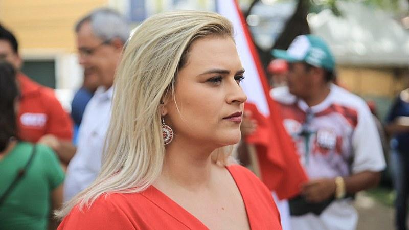 """""""Pernambuco vem sofrendo bastante com o desgoverno que estamos passando"""", afirma a vereadora."""