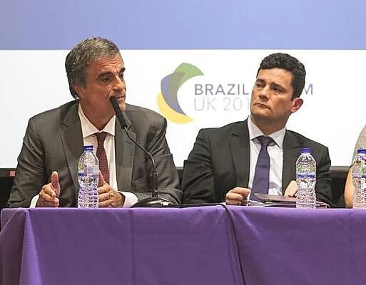 O ex-ministro José Eduardo Cardozo e o juiz Sérgio Moro divergiram, em 2015, sobre a necessidade de suspensão de contratos da Petrobras