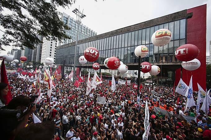 Ato centrais sindicais na Avenida Paulista