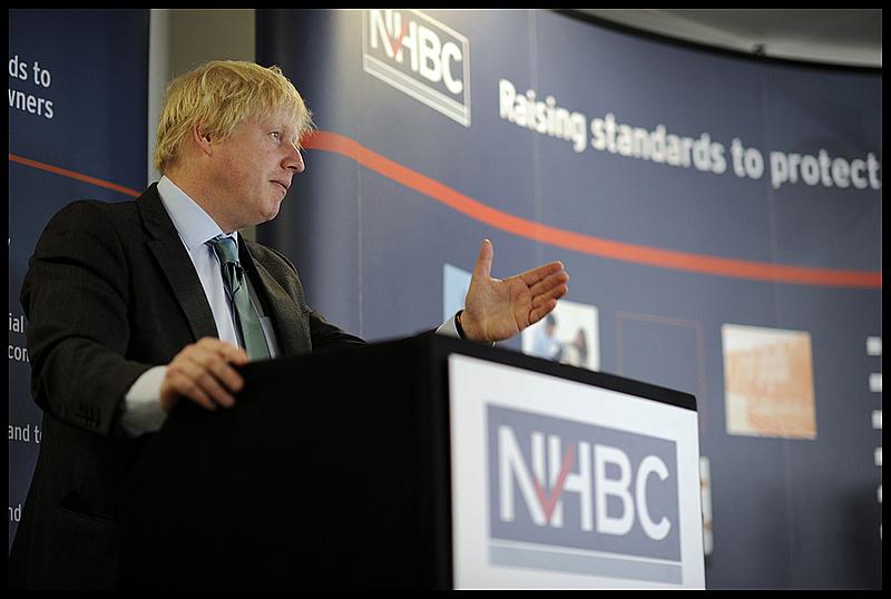 Boris Johns disse que Reino Unido deve dar início a processo de saída da UE em 2017