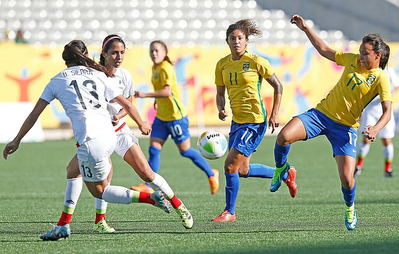 Emily Lima foi demitida depois de apenas treze partidas, apesar de todos os protestos das jogadoras