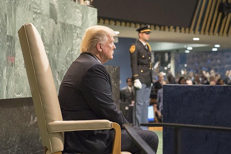 """Trump afirmou no último domingo (19) que se o """"Irã quiser brigar"""", será seu """"fim oficial"""""""