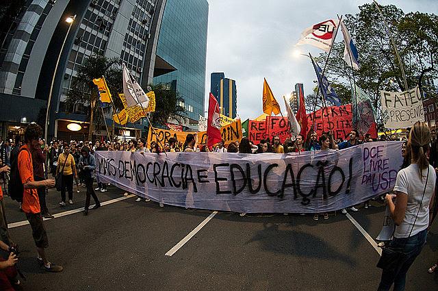 Mobilização dos professores contra a Reforma da Previdência realizada no dia 15 de março
