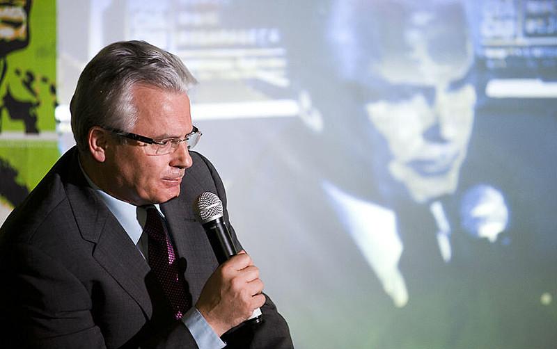 O juiz Baltasar Garzón, que condenou Pinochet por crimes contra a humanidade, é um dos signatários do manifesto