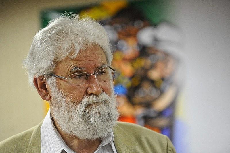 """""""Quem perde a esperança está a um passo do suicídio, da morte voluntária"""", diz Boff."""