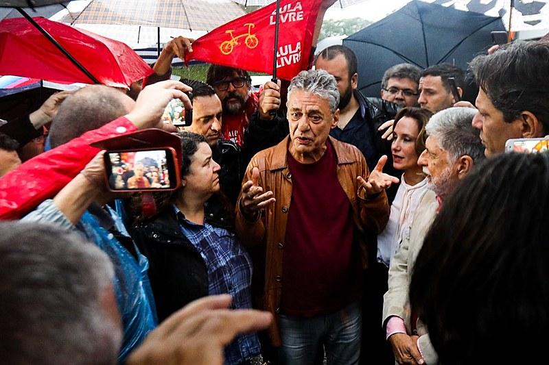 """""""Se Deus quiser, está chegando a hora do Lula sair, já passou da hora"""", afirmou Haddad na saída da visita"""