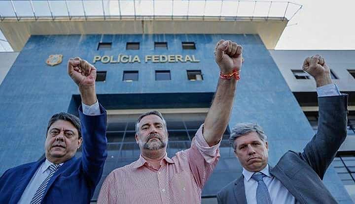 """""""Não é uma concessão, é constitucional"""", afirmou o deputado federal Paulo Pimenta (PT-RS, centro)"""