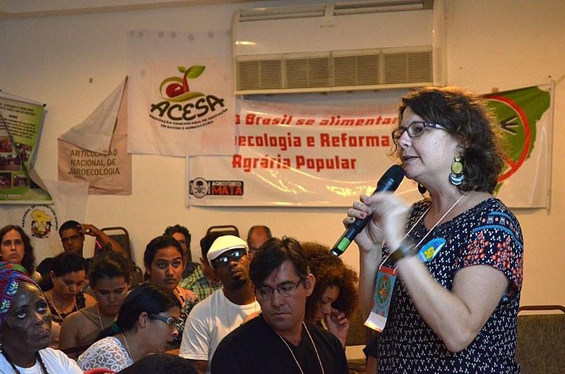 """""""A juventude organizada é fundamental"""", afirma Elisa durante a entrevista."""