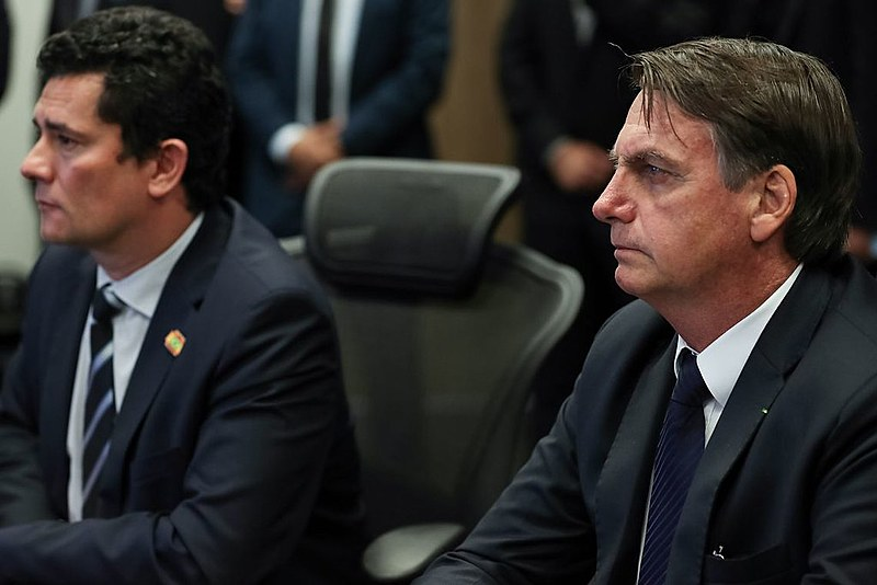"Na queda de braço nas redes sociais, Bolsonaro foi ""derrotado"" por Moro"