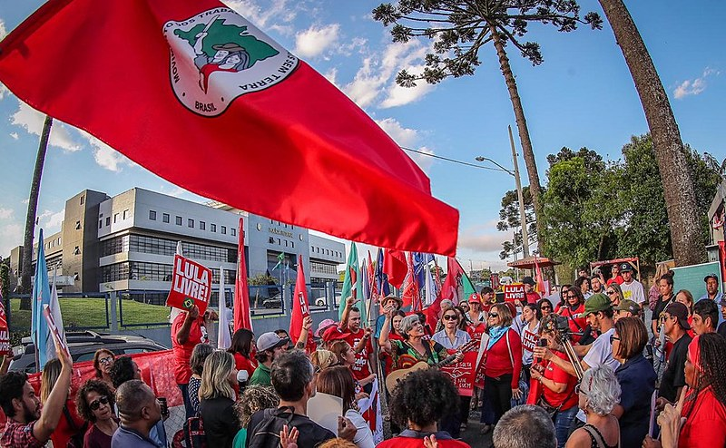 Organização estima que, desde abril, cerca de 40 mil pessoas circularam pelos espaços que compõem a Vigília Lula Livre