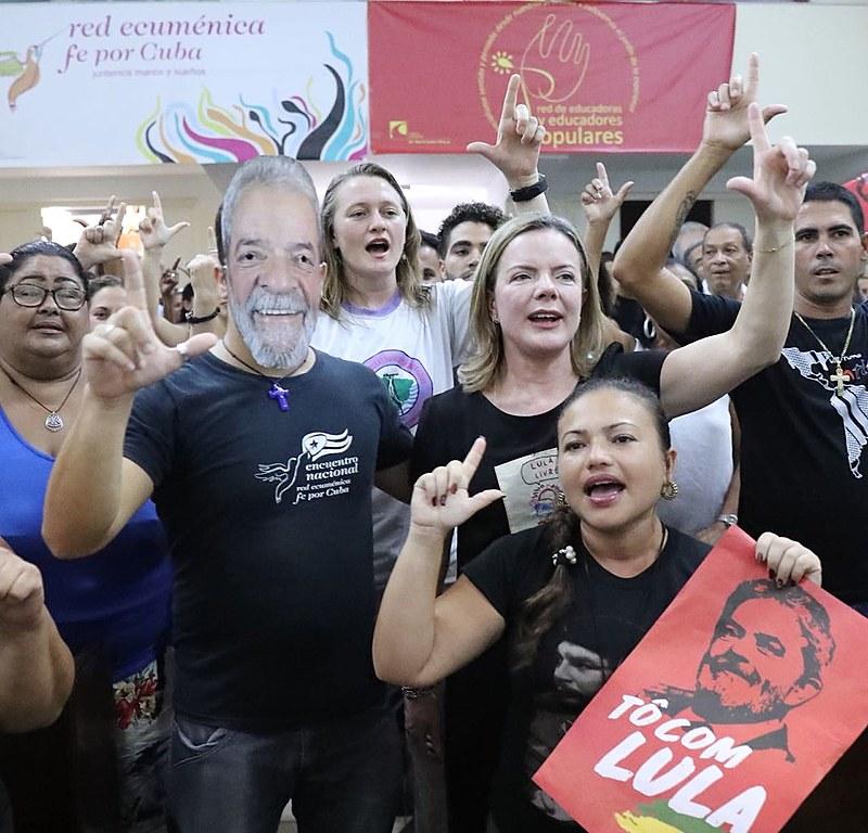O povo cubano pediu a liberdade para o ex-presidente Lula e eleições democráticas no Brasil
