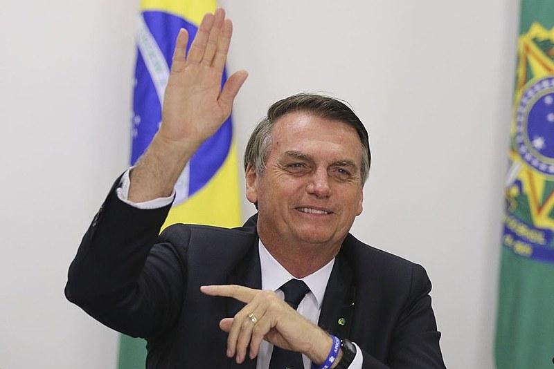 """Em artigo, o cientista político José Luíz Fiori aponta que """"o 'bolsonarismo' está fazendo com que as pessoas reflitam, no Brasil e no mundo"""""""