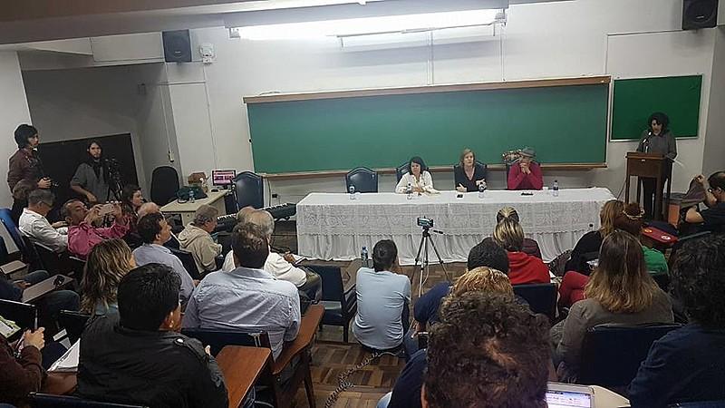 Com mesas temáticas,  encontro propiciou trocas acerca das reflexões e aprofundamentos dos diferentes cursos realizados